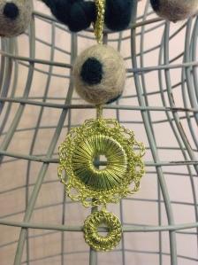 felt necklace green 1