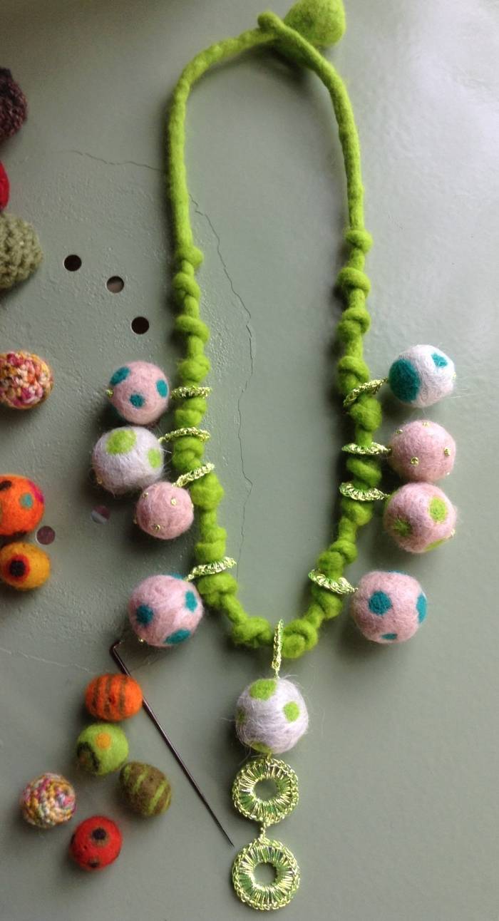 green-felt-necklace1