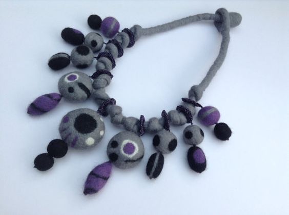 grey-felt-necklace